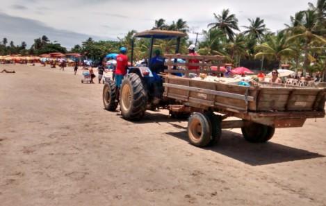 Prefeitura recolhe três toneladas de lixo em praias de Vera Cruz